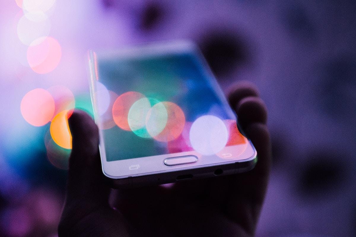 透明_次世代_スマートフォン2