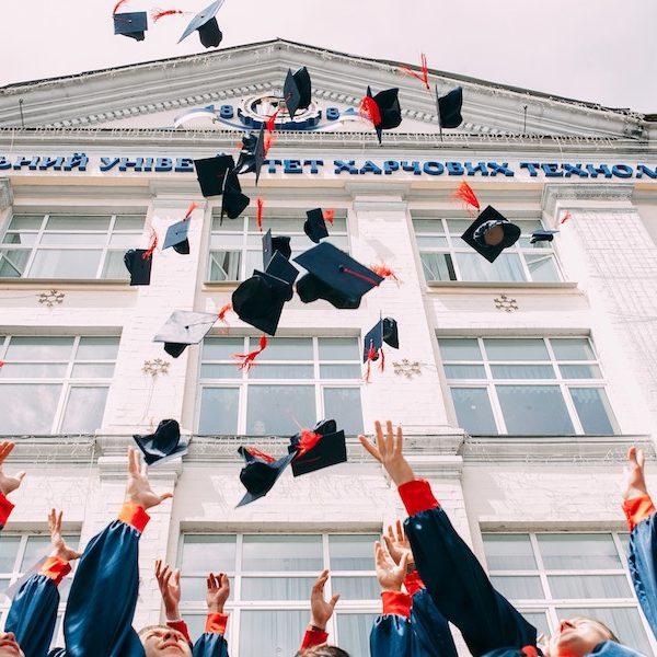 学歴や過去の実績を自慢するのではなく、「いま何ができるのか?」を突き詰める事が大切!